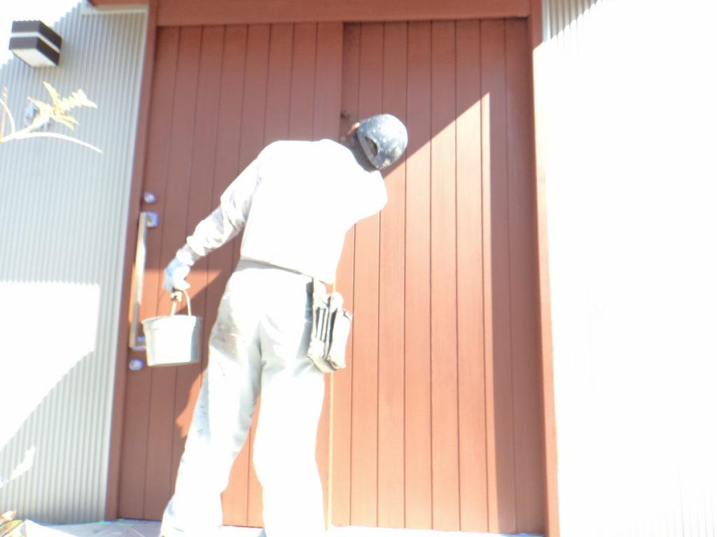 兵庫県宝塚市でオイルステイン塗装 ー 八尾市で塗装、防水工事なら宮川塗装