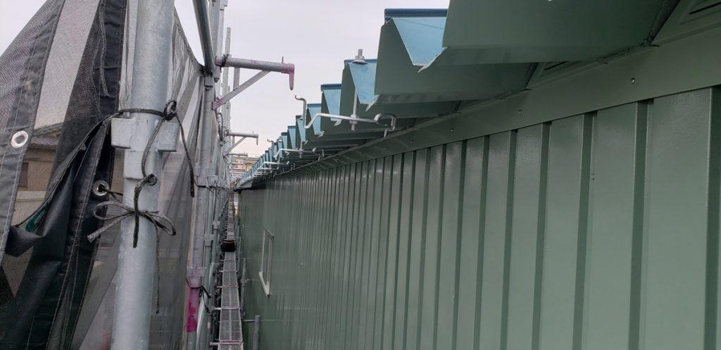 八尾市弓削町南で工場塗装 雨樋交換