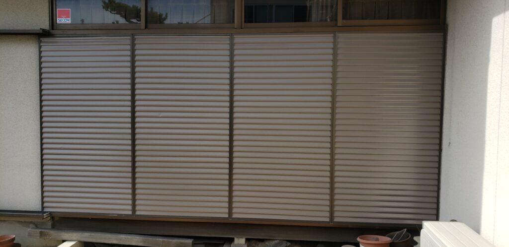 ウレタン雨戸塗装2回目/大阪府八尾市の宮川塗装